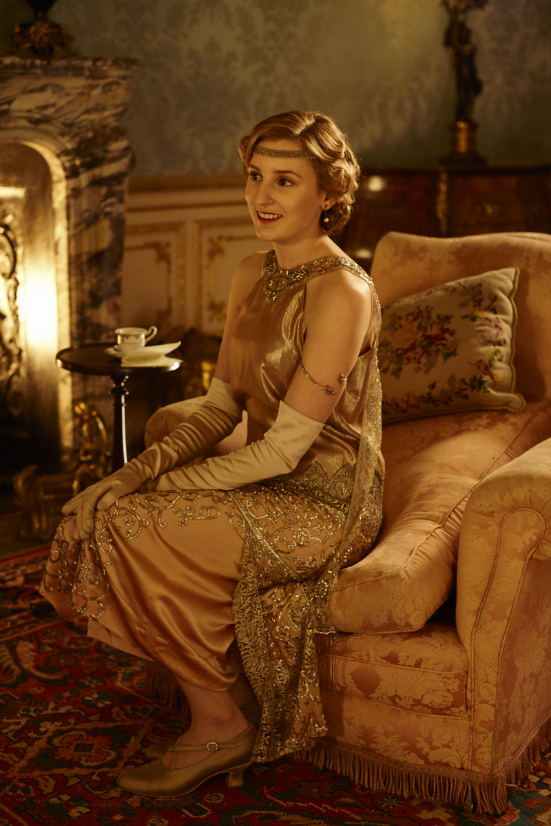 embargoed_until_10th_september_downton_ep1__031-001