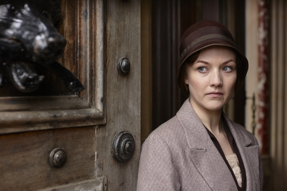embargoed_until_10th_september_downton_ep1__051-001