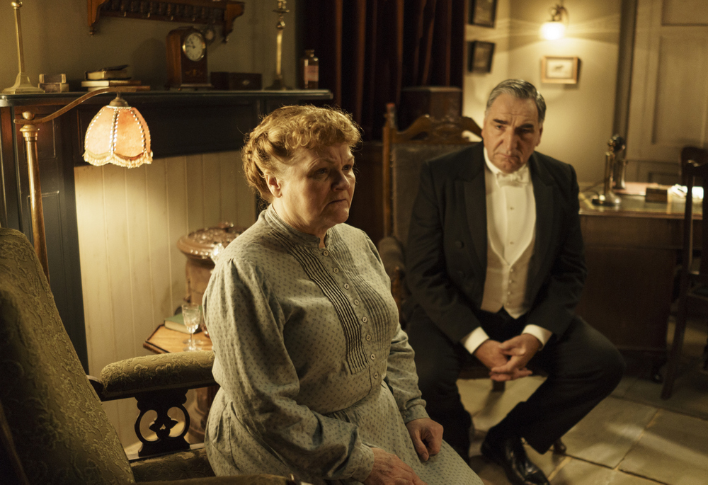 embargoed_until_10th_september_downton_ep1__091-001
