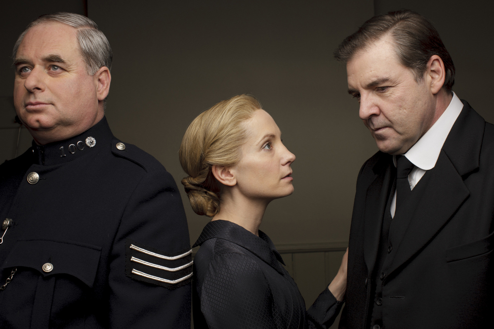 embargoed_until_10th_september_downton_ep1__221-001