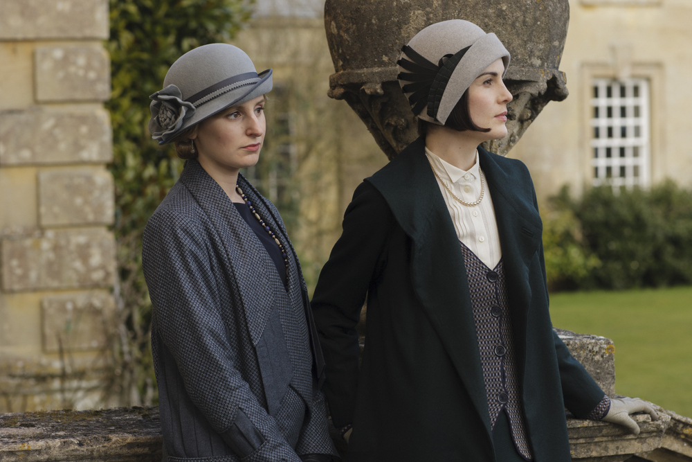 embargoed_until_10th_september_downton_ep1__251-001