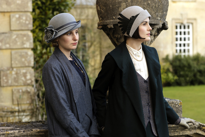 embargoed_until_10th_september_downton_ep1__251-002