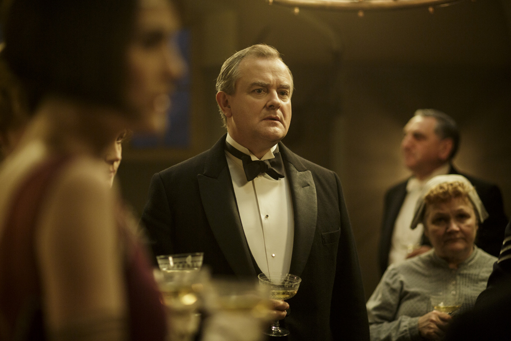 embargoed_until_10th_september_downton_ep1__121-001
