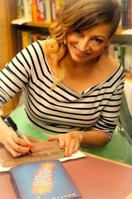 Leslye Signing
