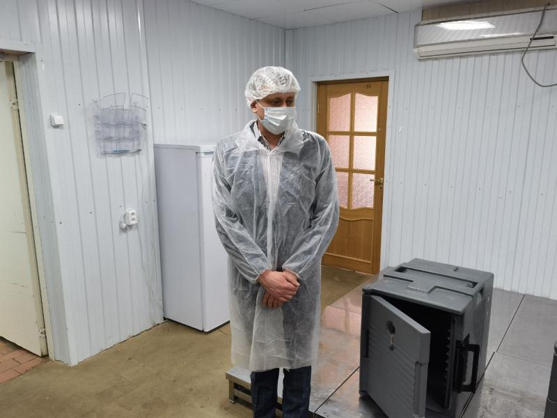 «Фонтанка» подослала журналистку найти таракана в «КСП Василеостровского района»