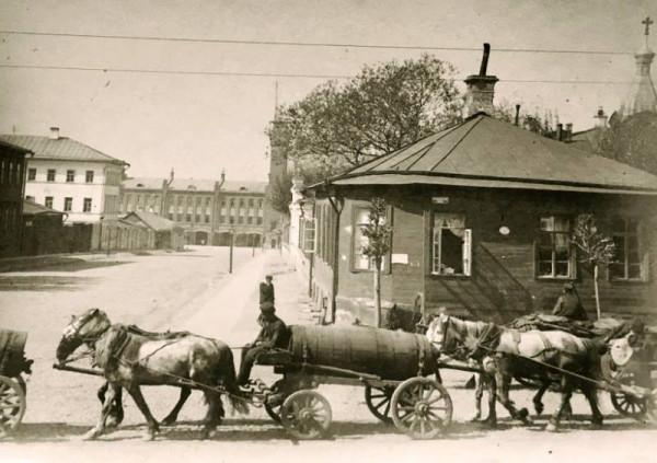 Три парня и авто. 1924 год..jpg