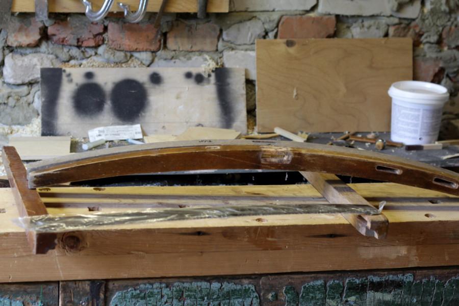 Заготовки - две передние и одна задняя ножка букового стула