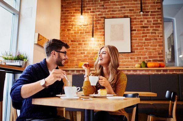 «За кофе и пирожное плати сама и вызови такси» – история худшего свидания