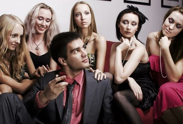 Девушки, все ищите богатого мужчину? Но простая математика доказывает – их на всех не хватит