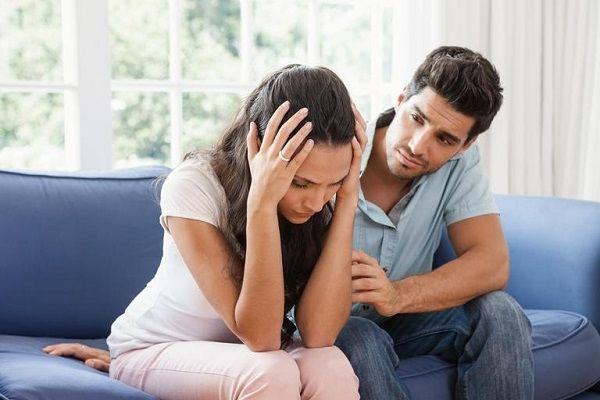 Как женатики одиноких девушек утешают