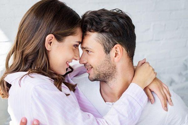 Мужчину влечет к самостоятельной женщине-партнеру, а не к инфантильной даме, создающая проблемы