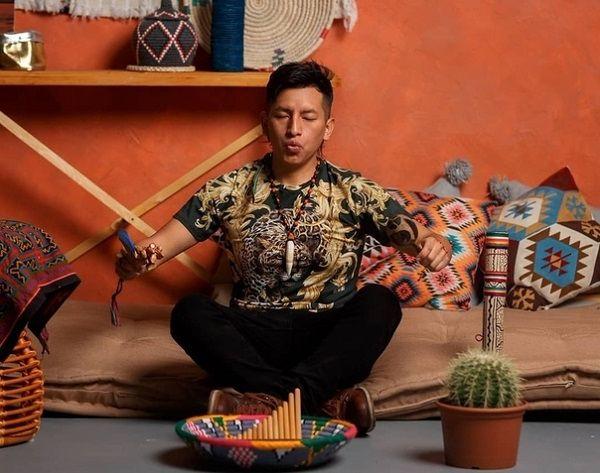 Нашаманил и в кусты. После духовной практики с шаманом  поэтесса Кацуба ожидает прибавление в семье, фото 2