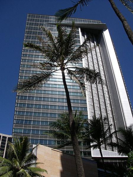 450px-First_Hawaiian_Center_Tower_in_Honolulu,_Hawaii_USA