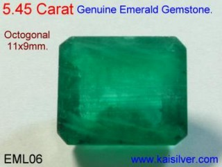 Men's emerald ring, choosing the emerald gemstone for a men's ring.