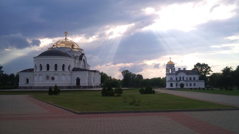 Архитектурный центр Цитадели – гарнизонная Николаевская церковь, построенная в 1851–76 г.