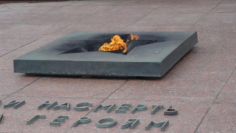 Вечный огонь на площади церемониалов