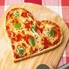heart-shapped-pizza.jpg