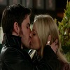 Hook-and-Emma-Kiss-Grannys-Diner-3x22-Theres-No-Place-Like-Home.jpg