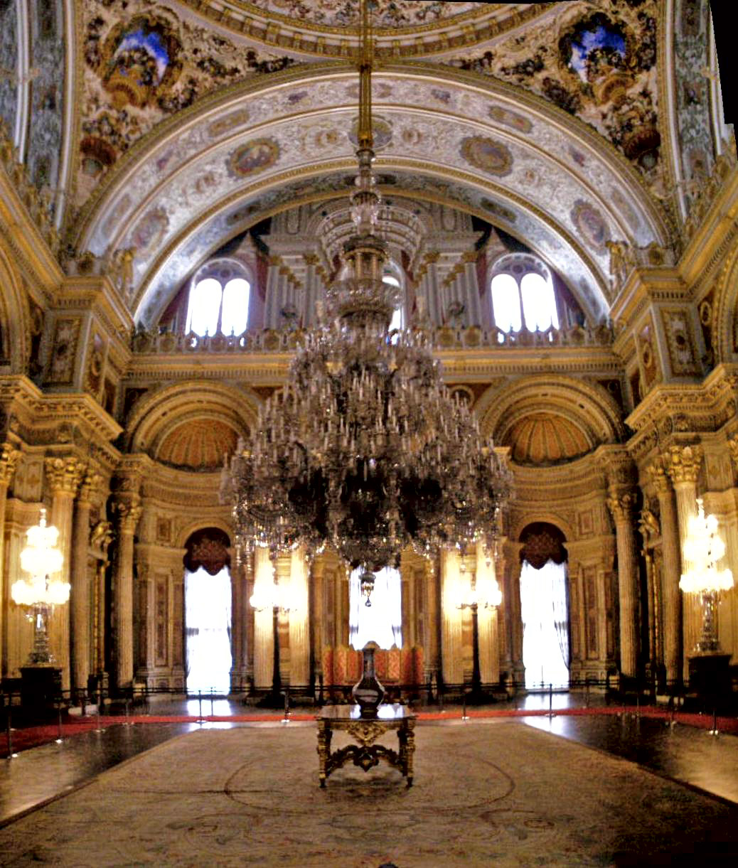 Ceremonial_hall_Dolmabahce