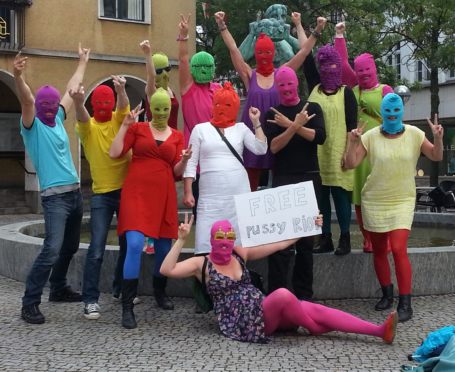 Sønderborg actions of solidarity with Pussy Riot