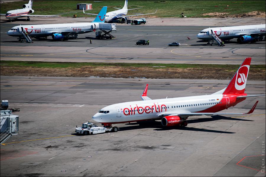 Аэропорт Домодедово: вид сверху... с вышки! 2696