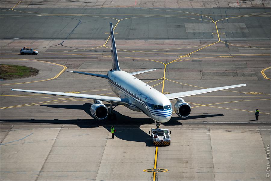 Аэропорт Домодедово: вид сверху... с вышки! 2713