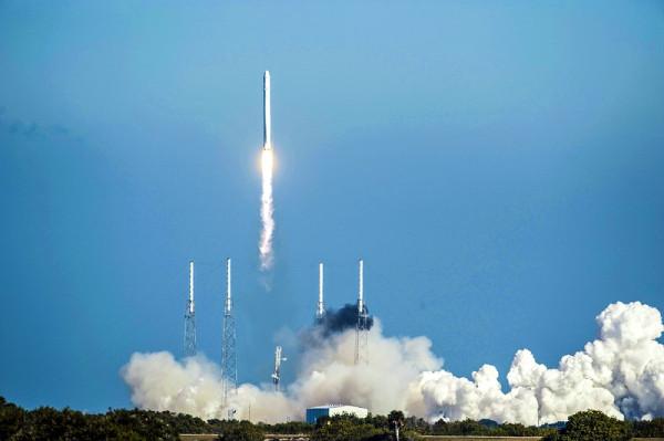 Многоразовая ракетная ступень Маска — распиареная технология 50-летней давности