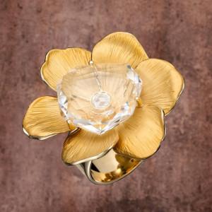 1 Коллекция Gardenias, кольцо из желтого золота с эмалью и дымчатым кварцем