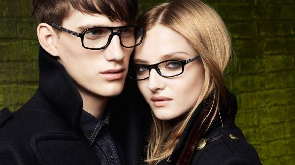 Burberry-Eyewear-Fall-Winter-2010-2011-Campaign-3