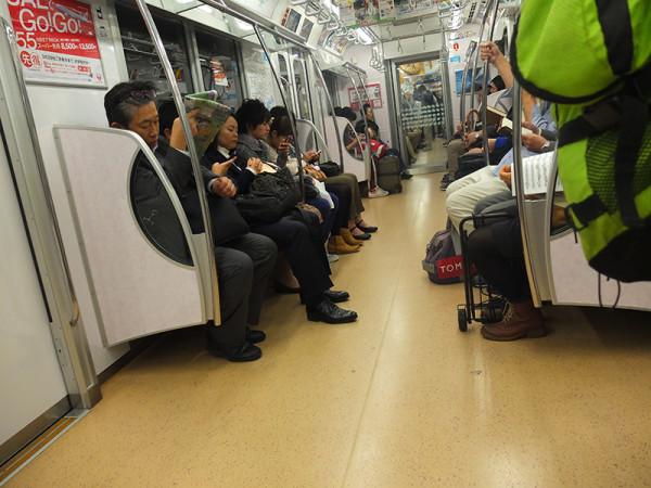 Японское метро Токио октябрь 2013