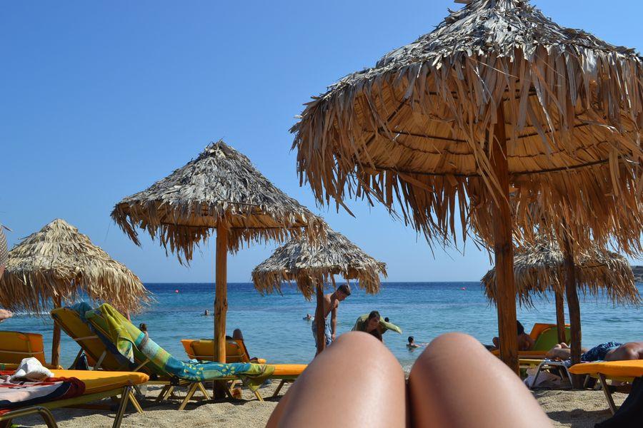 Разве можно ТАК вести себя на пляже?
