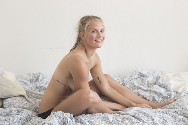 Эмма Хольтен 01