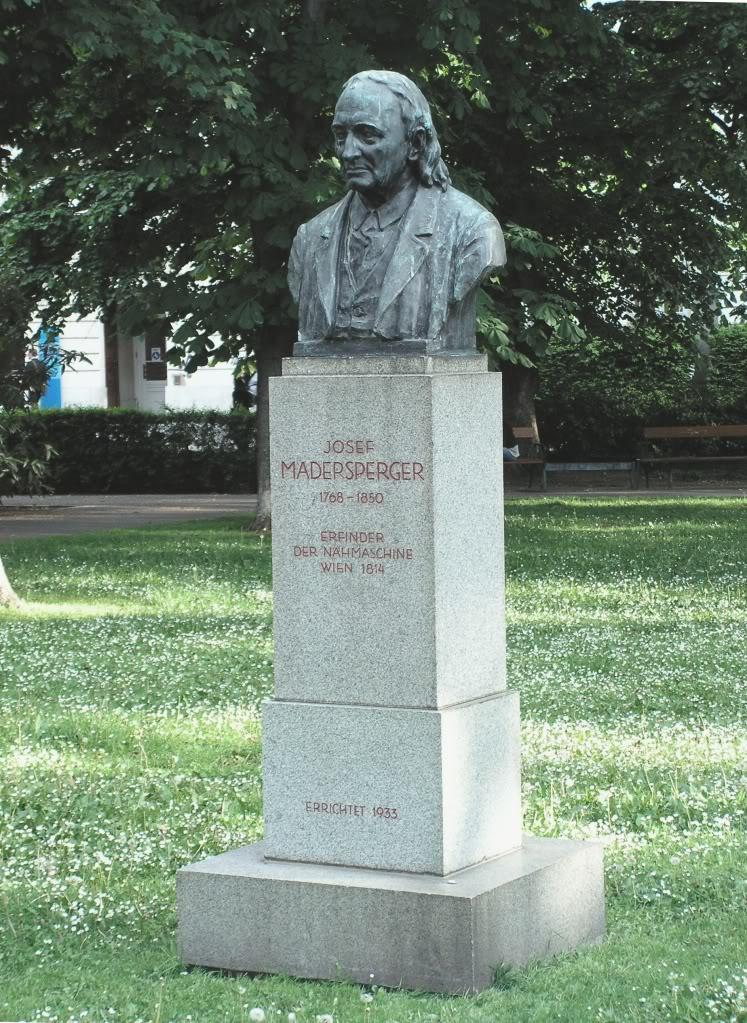 Памятник Йозефу Мадершпергеру в Вене (Карлсплац)