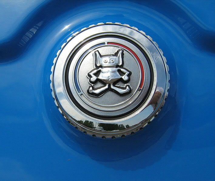 Гремлин на крышке бензобака AMC Gremlin