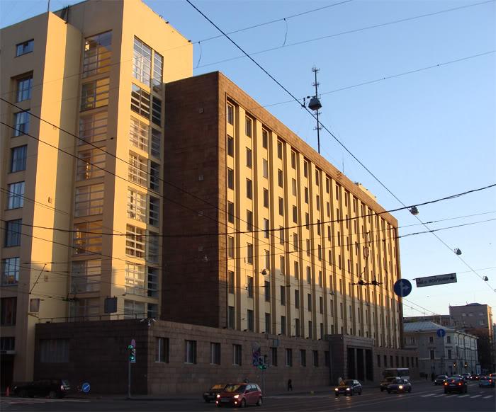 Большой дом в С-Петербурге  на Литейном