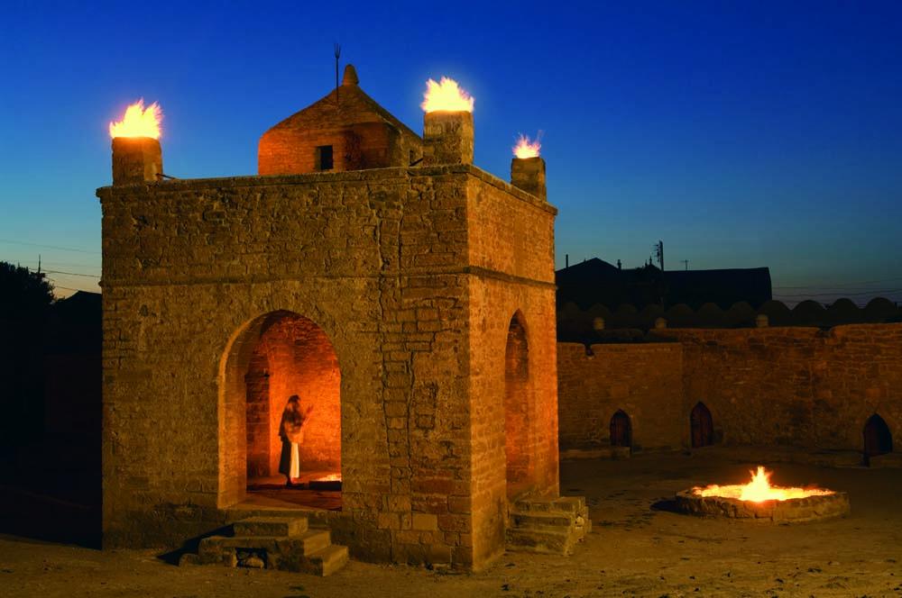 Храм огнепоклонников в Сураханах