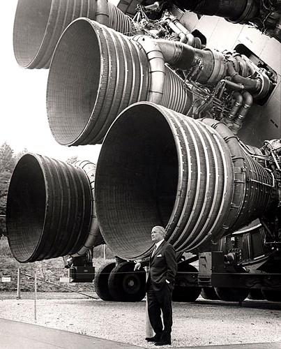 S-IC_engines_and_Von_Braun.jpg