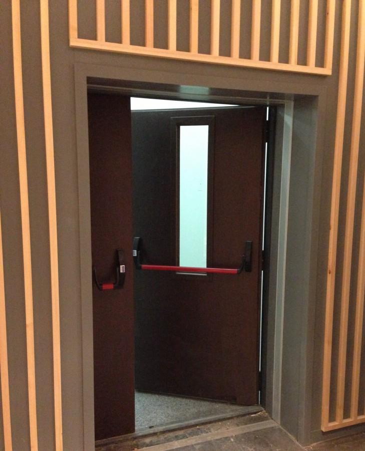 входные двери с антипаникой
