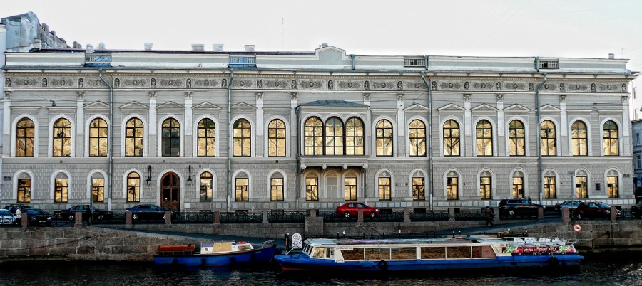 Shuvalov_Palace_Petersburg_1.jpg