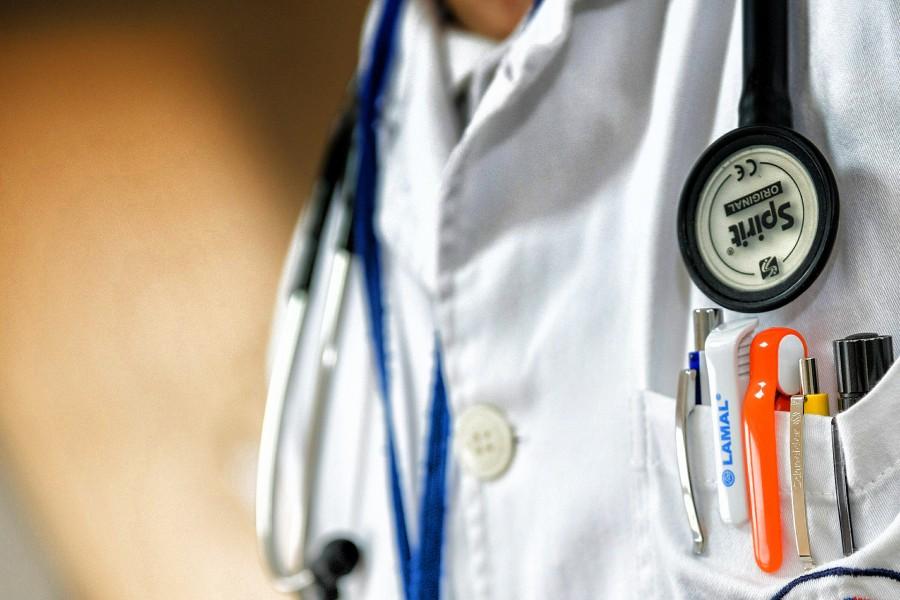 doctor-563428_1920.jpg