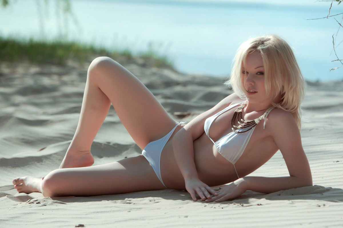 Эротические рисованные картинки блондинки 20 фотография
