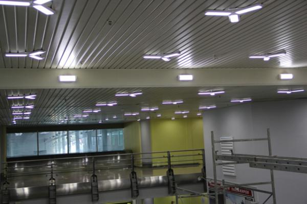 Вокзал осветили как следует