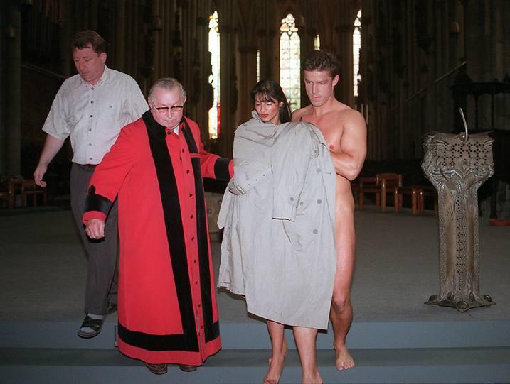 немцы занимались сексом в соборе