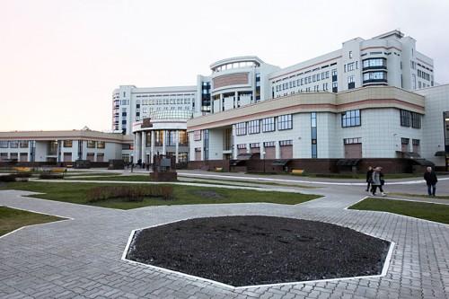 новенький учебный корпус МГУ
