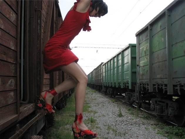 прыжок с поезда