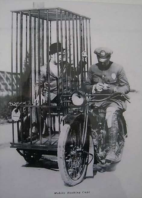 клетка перевозка для преступников