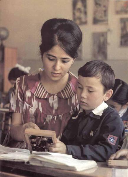 Компьютеры в школах Таджикистана в кишлаках