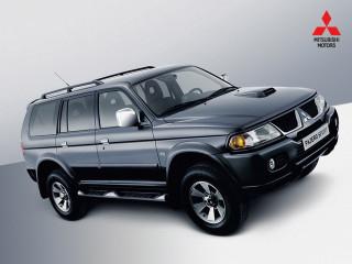 Автомобиль для онанистов Mitsubishi Pajero