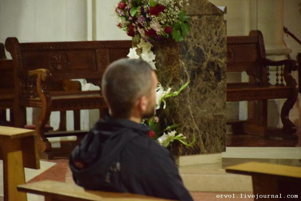 Ума Турман молится за упокой Жанны Фриске