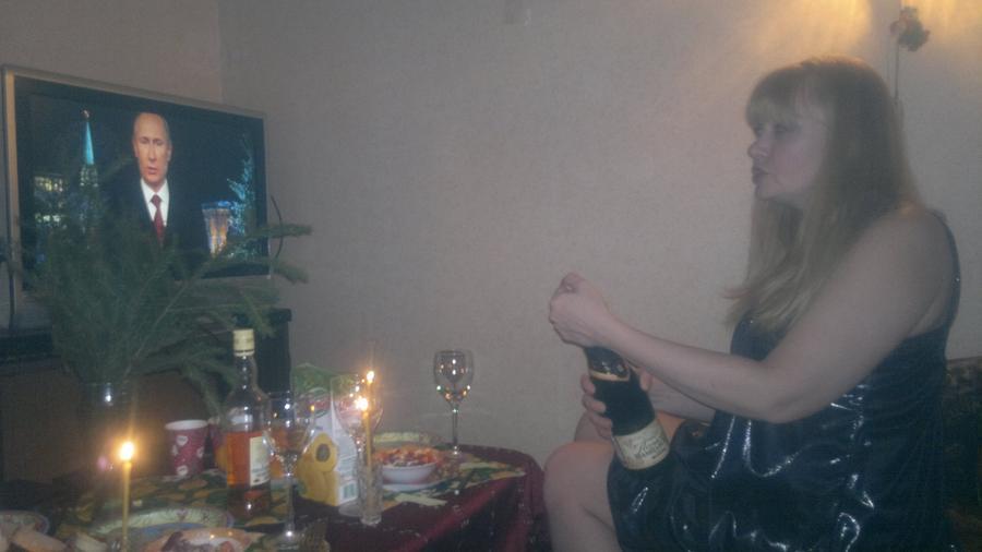 Новогоднее обращение Президента России? Пьете под бой курантов, после него?